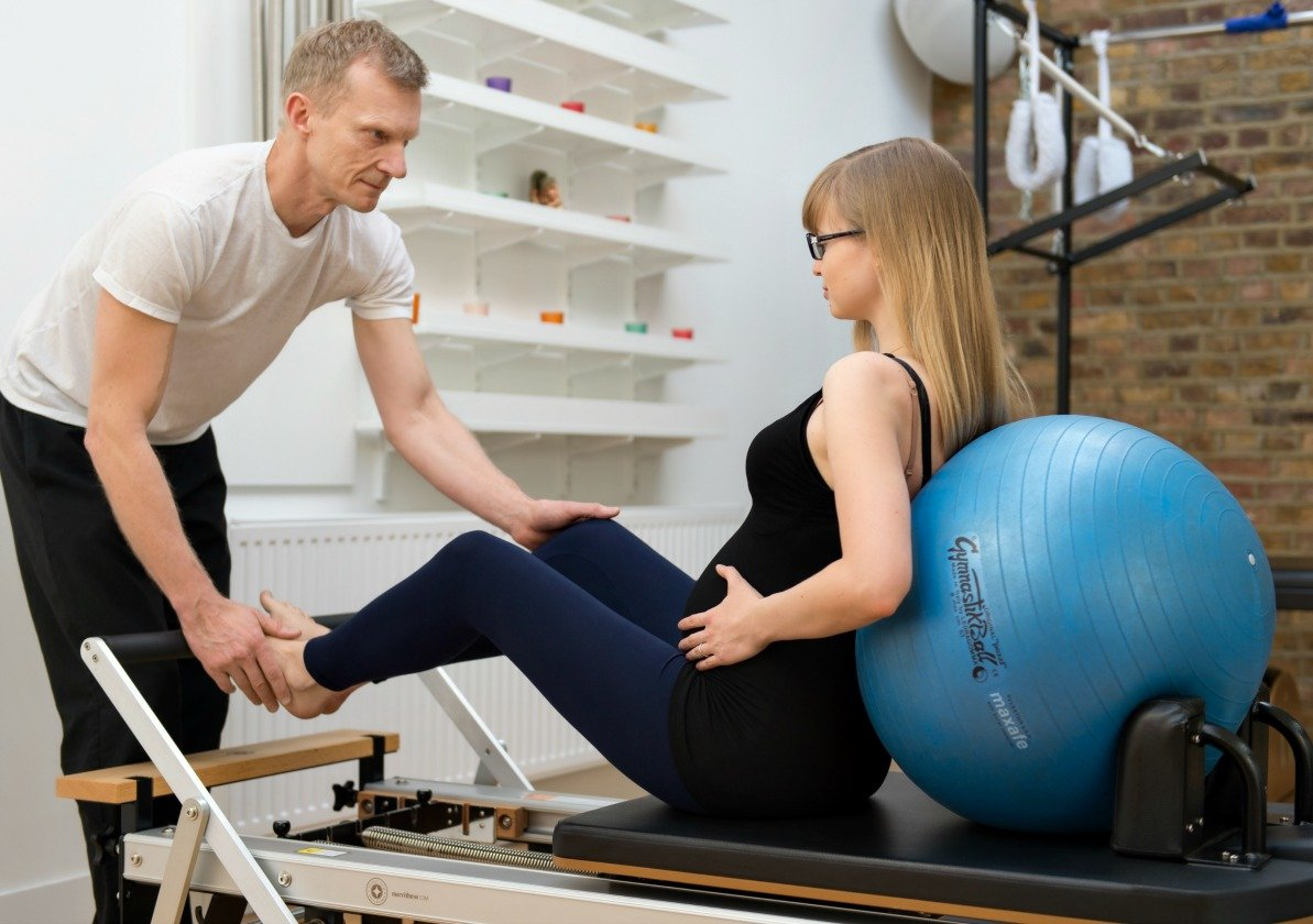 Pilates For Mums To Be All You Need To Know Triyoga